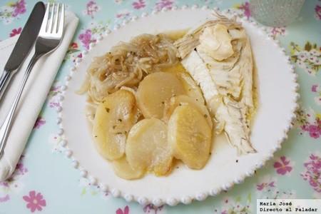 Rodaballo al horno con patatas y cebolla, receta