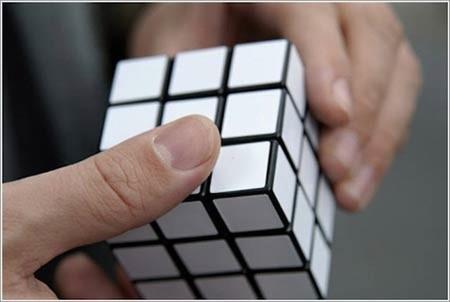 [Vídeo] Robot resuelve el Cubo de Rubik en un segundo