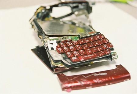 ¿Estás obligado a dar el código de desbloqueo de tu teléfono a la Policía?