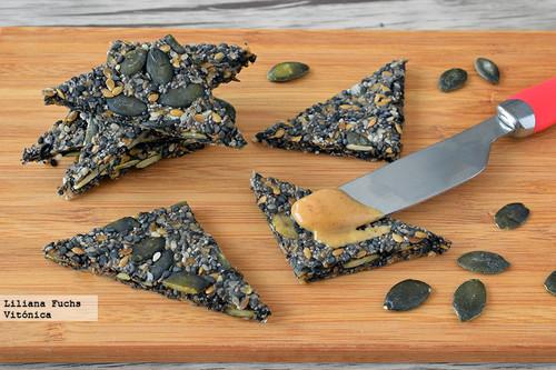 Crackers crujientes de semillas y avena. Receta saludable