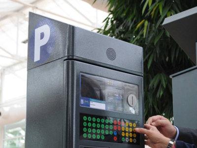 Un encargado de los parquímetros de Madrid roba unos 45.000 euros trucándolos