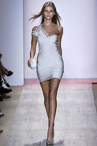 Hervé Leger by Max Azria en la Semana de la Moda de Nueva York primavera-verano 2009