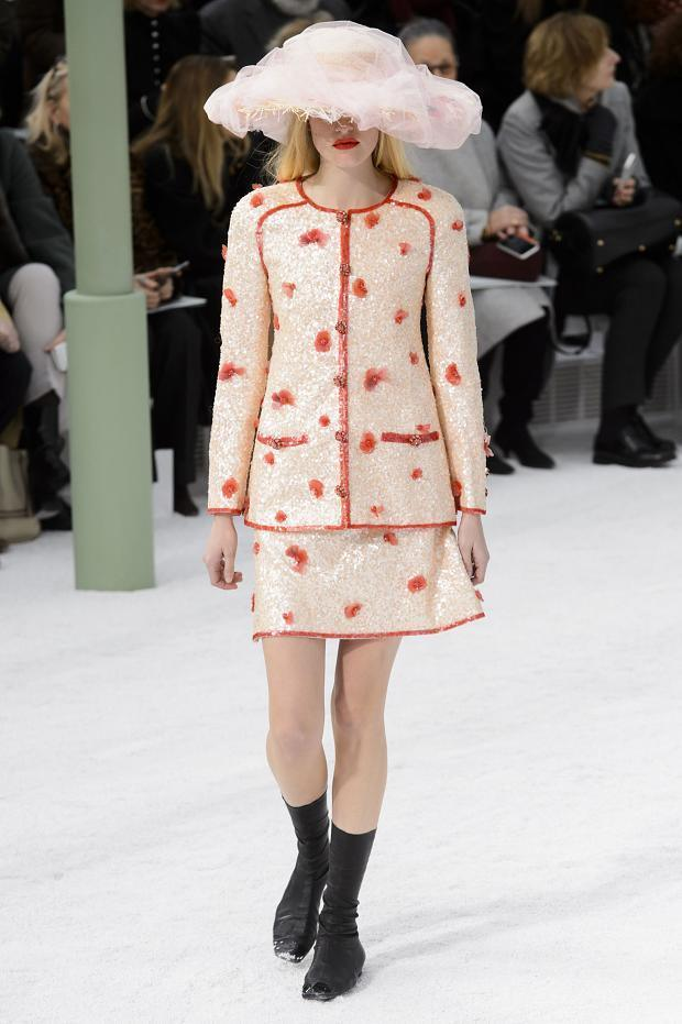 Foto de Chanel Alta Costura Primavera-Verano 2015 (19/73)