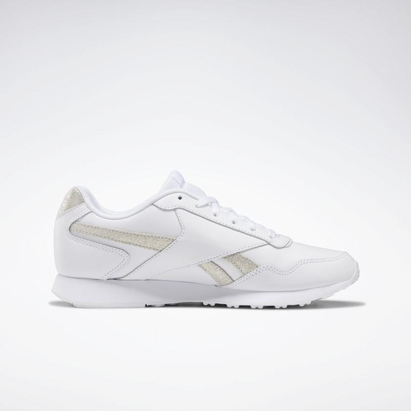Zapatillas blancas y doradas