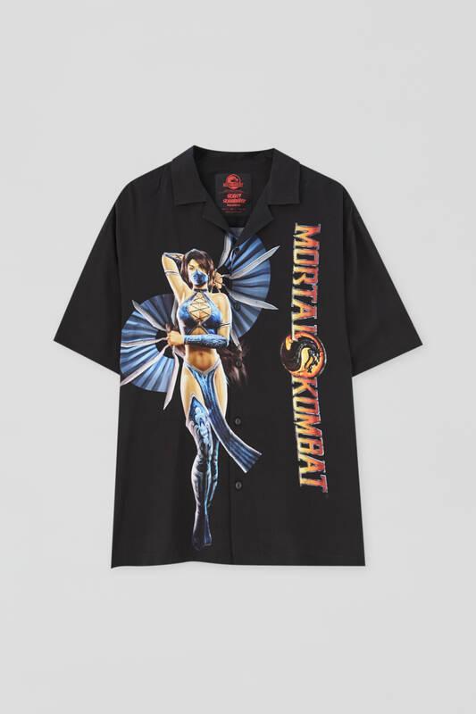 Camisa negra con estampado