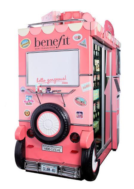 Benefit, máquinas expendedoras de cosméticos