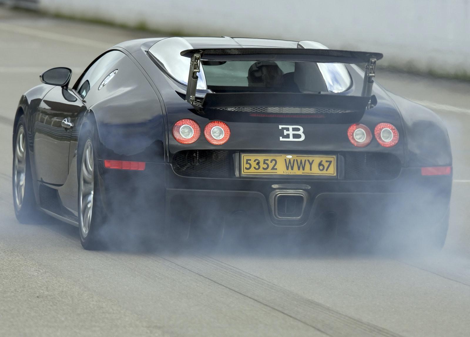 Foto de Bugatti Veyron y Porsche 917 (5/15)