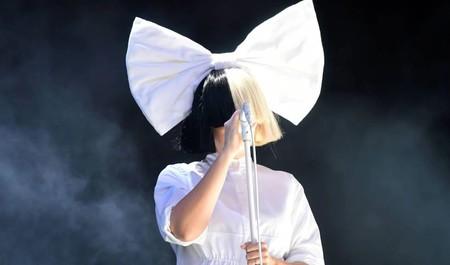 Si tienes una camisa blanca en el armario tienes siete disfraces de Carnaval así de geniales