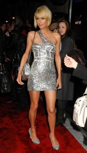 Paris Hilton y Nicky Hilton en la fiesta pre-Grammy 2009