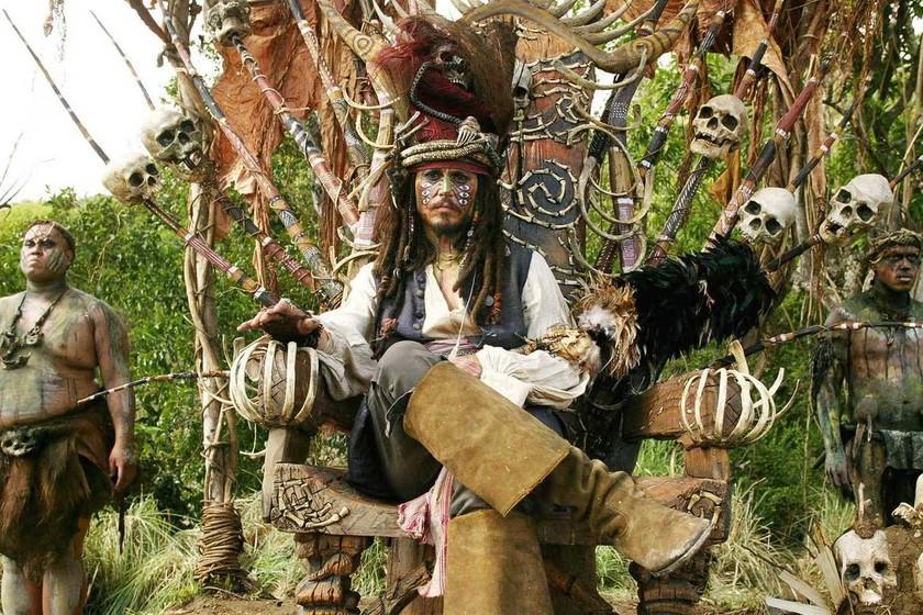 Piratas Del Caribe El Cofre Del Hombre Muerto 2006 La Película De Hoy En Cuatro Jack Sparrow Vuelve En Una Secuela Entretenida Pero Sin La Magia De La Primera