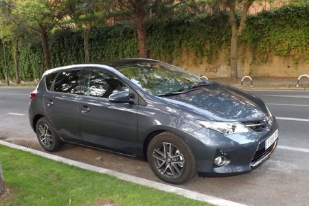 El nuevo Toyota Auris con acabado Feel! a prueba (II): Interior y Conducción