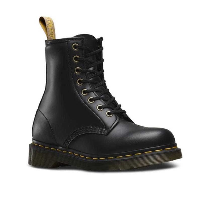 Botas de mujer Dr. Martens de piel en color negro. Modelo 14045001
