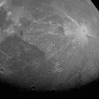 La misión Juno nos desvela sus dos primeras fotografías de Ganímedes, la luna gigante de Júpiter