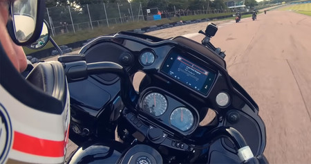 Harley Davidson Cvo Road Glide Circuito Video 2020