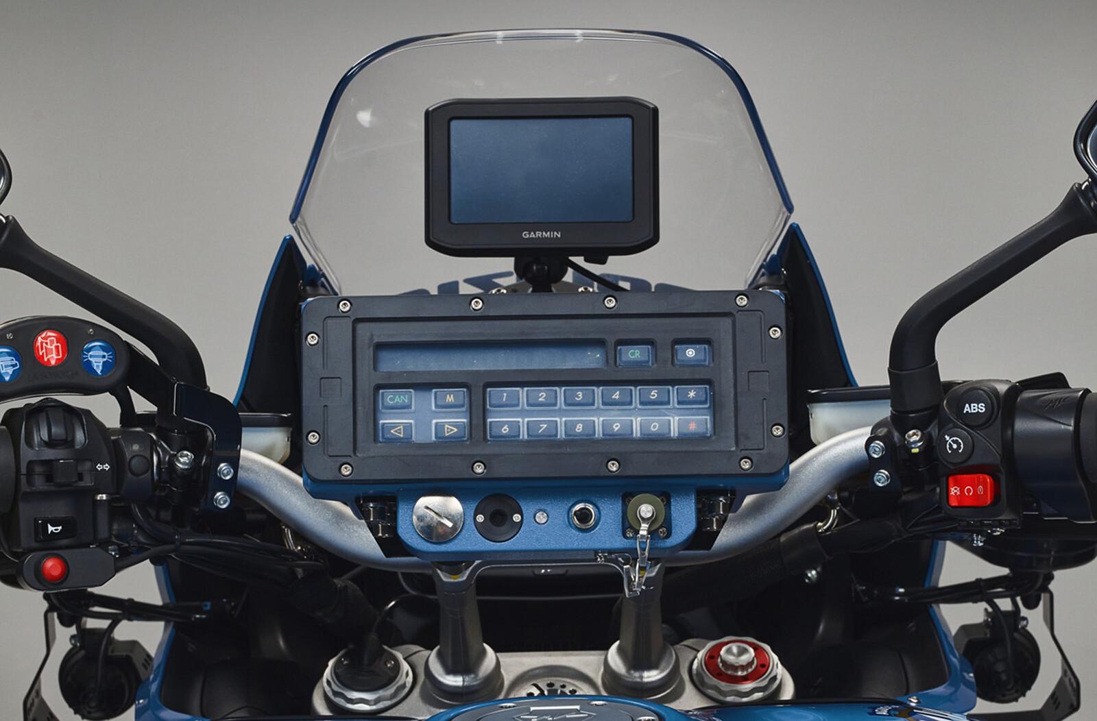 Foto de MV Agusta Turismo Veloce 800 Lusso SCS de la policía de Milán (14/20)