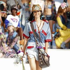 Foto 17 de 24 de la galería desigual-ha-sido-la-firma-encargada-de-inaugurar-la-primera-edicion-de-la-pasarela-mercedes-benz-fashion-week-ibiza en Trendencias