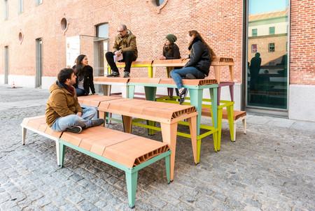 SCHLICKEYSEN, mobiliario modular urbano hecho con metal y... ¿ladrillos?