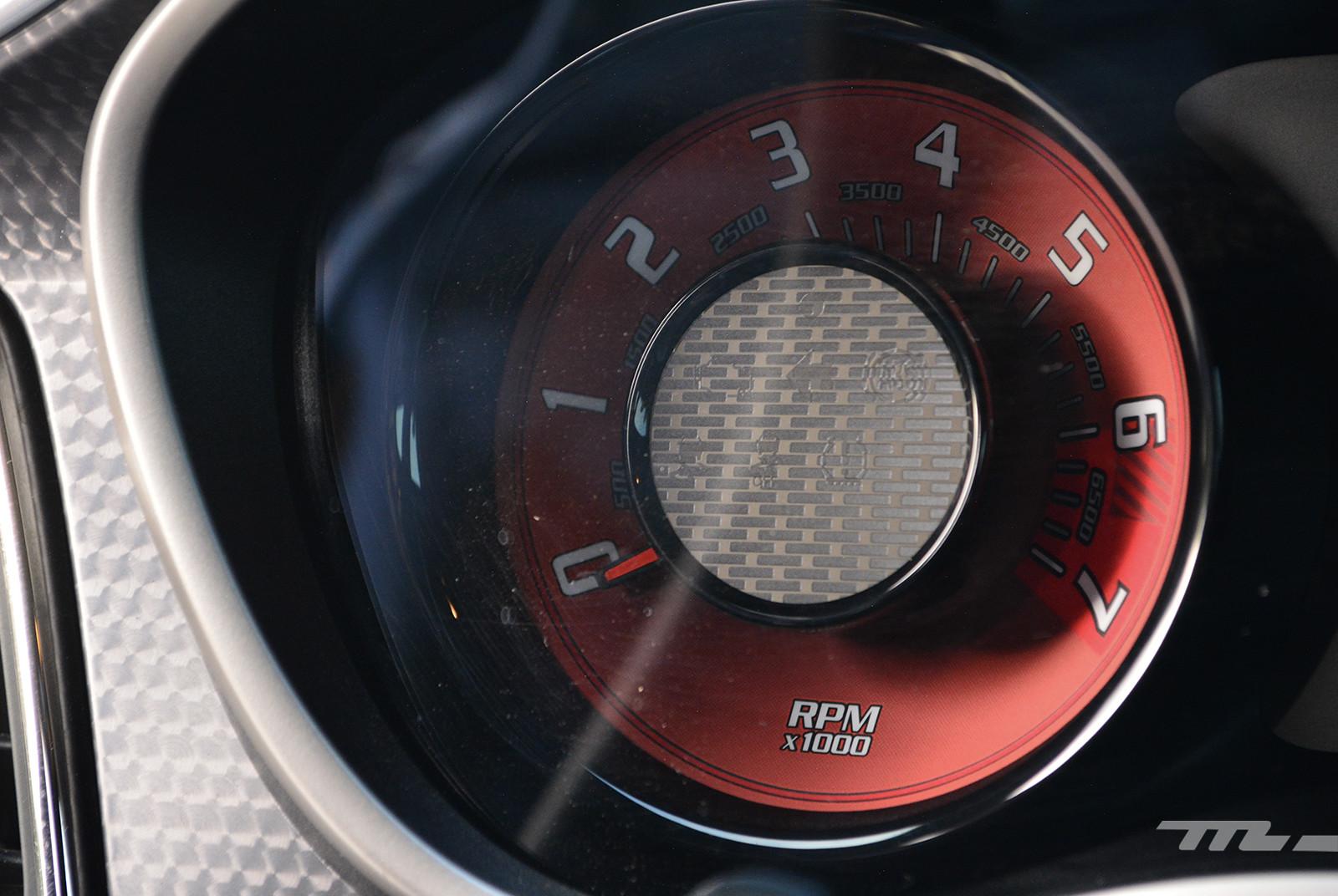Foto de Dodge Challenger SRT Hellcat Widebody Redeye (prueba) (18/22)