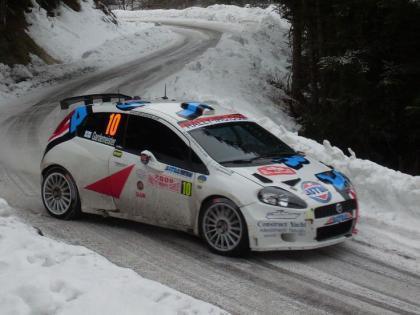 Juho Hanninen y Kris Meeke fuera del Rally de Montecarlo