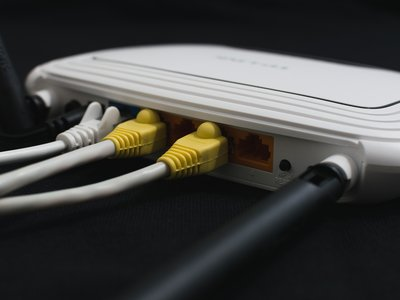 Más de la mitad de los hogares españoles navegan a 30 Mbps o más, gracias al boom de la fibra