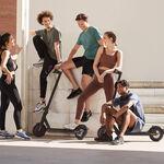 Los cambios de la DGT para los patinetes eléctricos: sólo podrán usarse en ciudad, pero fuera de la acera