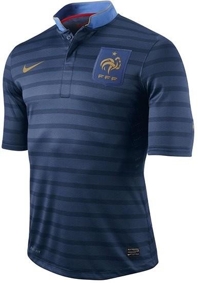 La llamativa camiseta de fútbol de la selección francesa para 2013