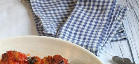 Alitas de pollo con tomate. Receta con solo tres ingredientes