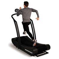 Así funcionan las cintas de correr curvas (y así pueden ayudarte a mejorar tu técnica de carrera)