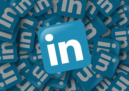 Ligar por una red social profesional como Linkedin, la torpeza como habilidad