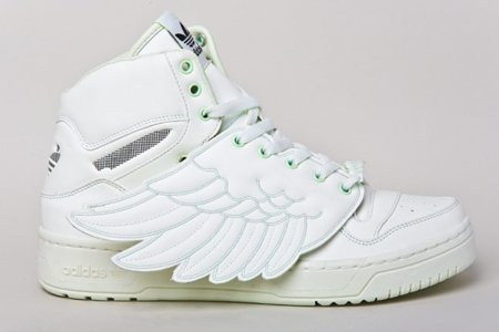 "Zapatillas Adidas JS Wings ""Glow in the Dark"" de Jeremy Scott"