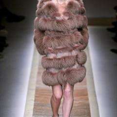 Foto 5 de 23 de la galería valentino-otono-invierno-20112012-en-la-semana-de-la-moda-de-paris-la-moda-esta-triste en Trendencias