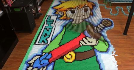 Necesitas 80.000 piezas e infinita paciencia para hacer un efecto dominó de The Legend of Zelda como este