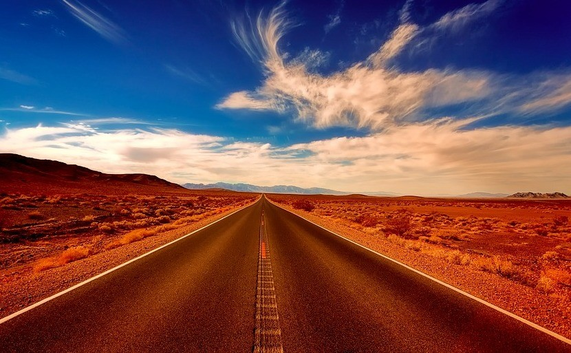 ¿Te gusta conducir? Entonces debes probar la carretera recta más larga del mundo