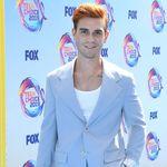 Los más frescos looks de la alfombra azul de los FOX's Teen Choice Awards 2019