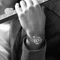 Emporio Armani presenta nuevos relojes inteligentes con sensor de ritmo cardíaco, NFC y GPS