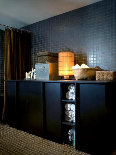 Puertas abiertas: un baño muy masculino