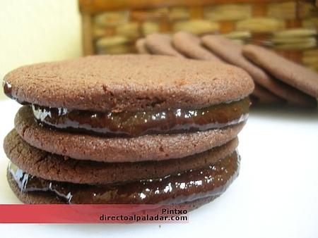Receta de galletas rellenas de chocolate
