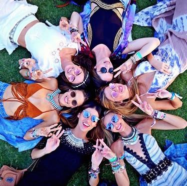 Instagram sustituye a los paparazzi en Coachella: así presumen las celebrities de look festivalero