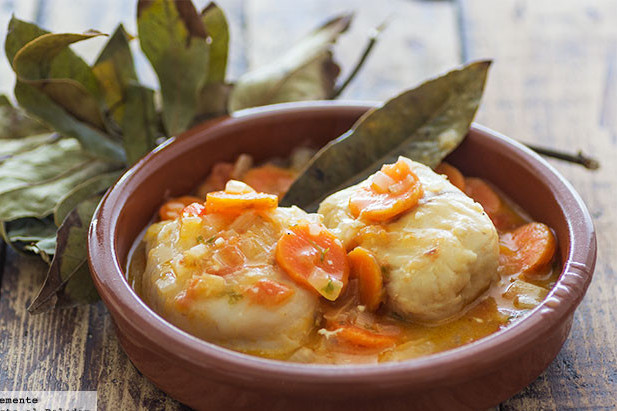 Filetes De Merluza En Salsa De Zanahoria Receta De Cocina Fácil Sencilla Y Delicios