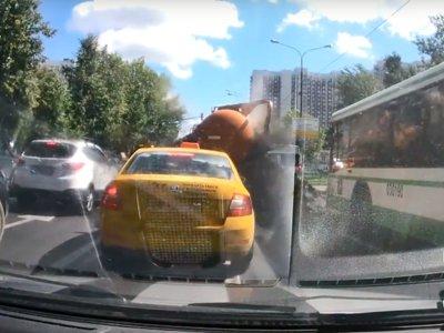 Y ahora, un día de mierda (literalmente) cuando explota a tu lado un camión de desatrancos