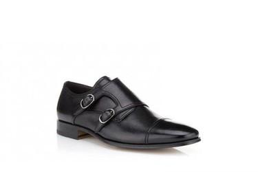 Los pitillos y los zapatos monkstrap se adoran
