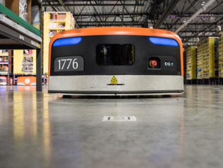 Amazon nos vuelve a enseñar a los robots que habitan sus almacenes