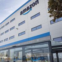 """Amazon abandona su reto de """"volver a una cultura centrada en la oficina"""" y permitirá a sus empleados teletrabajar dos días a la semana"""
