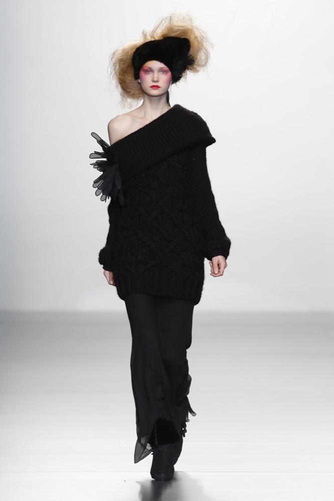 Foto de Elisa Palomino en la Cibeles Madrid Fashion Week Otoño-Invierno 2011/2012 (2/30)