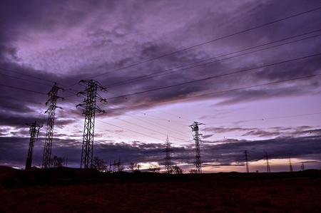 El desastre de la subasta eléctrica: causas, problemas e ineficiencia en CESUR