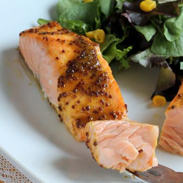 Cómo cocinar salmón congelado para que quede de película en menos de quince minutos