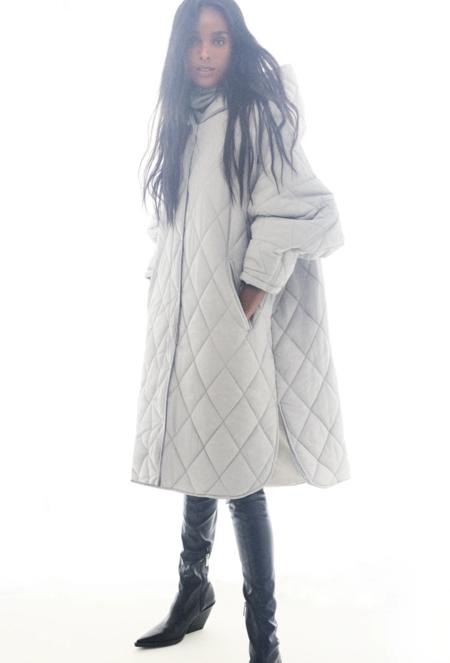 Abrigo water repellent con capucha
