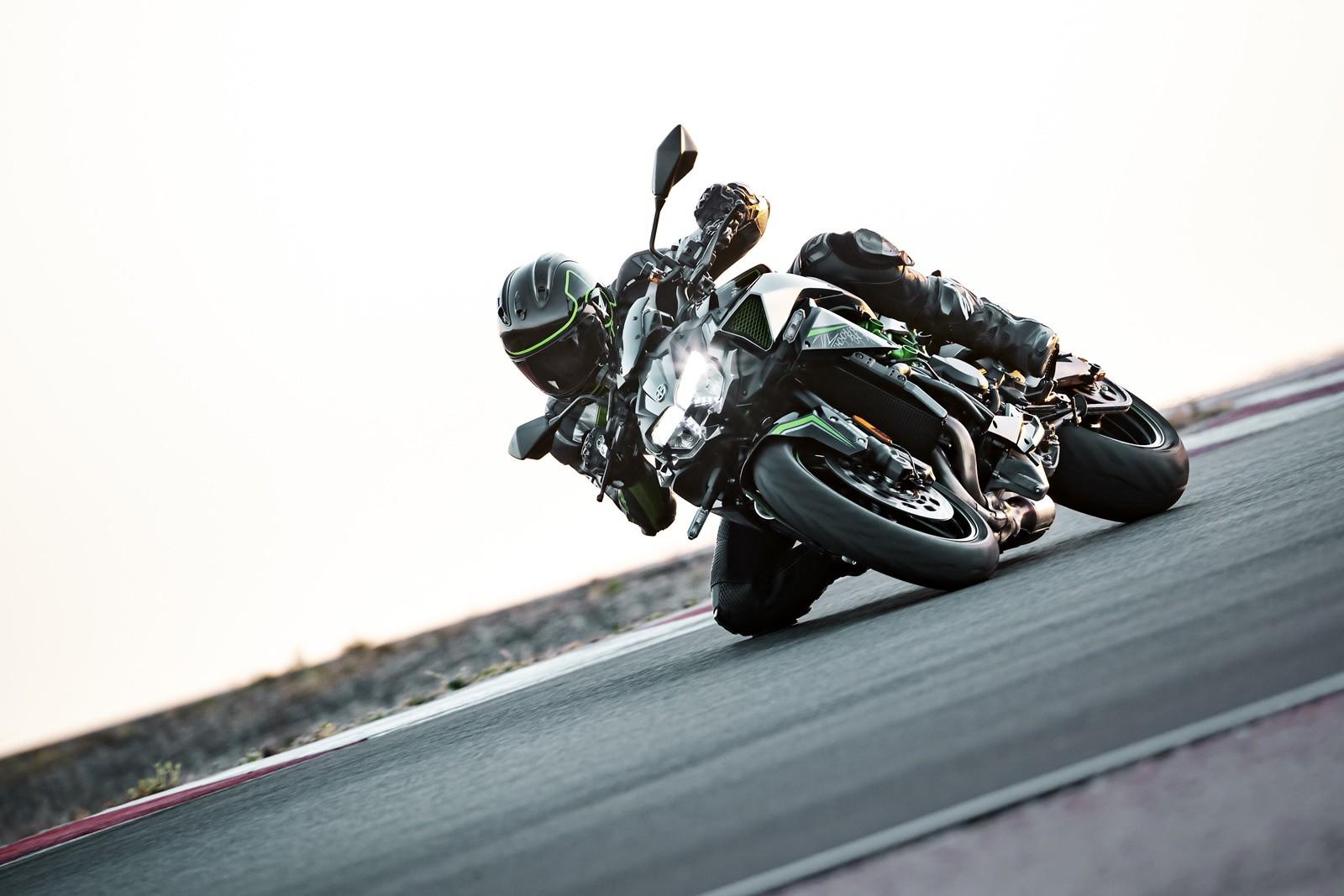 Foto de Kawasaki Z H2 2020 (31/33)
