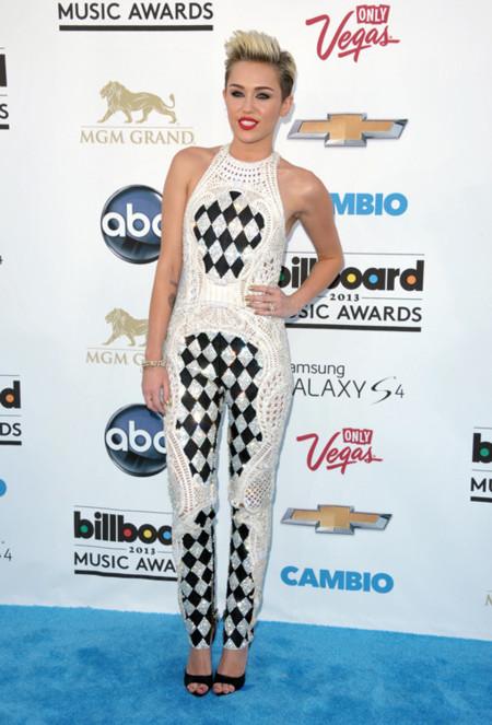 La pesadilla de los diseñadores llegó a los Billboard 2013 con las peor vestidas