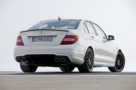 C63 AMG Performance Package Trasera
